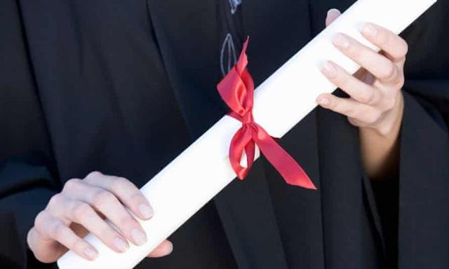 Anh: Vấn nạn gian lận bằng cấp, 85 trang web giả danh trường đại học bị gỡ - 1