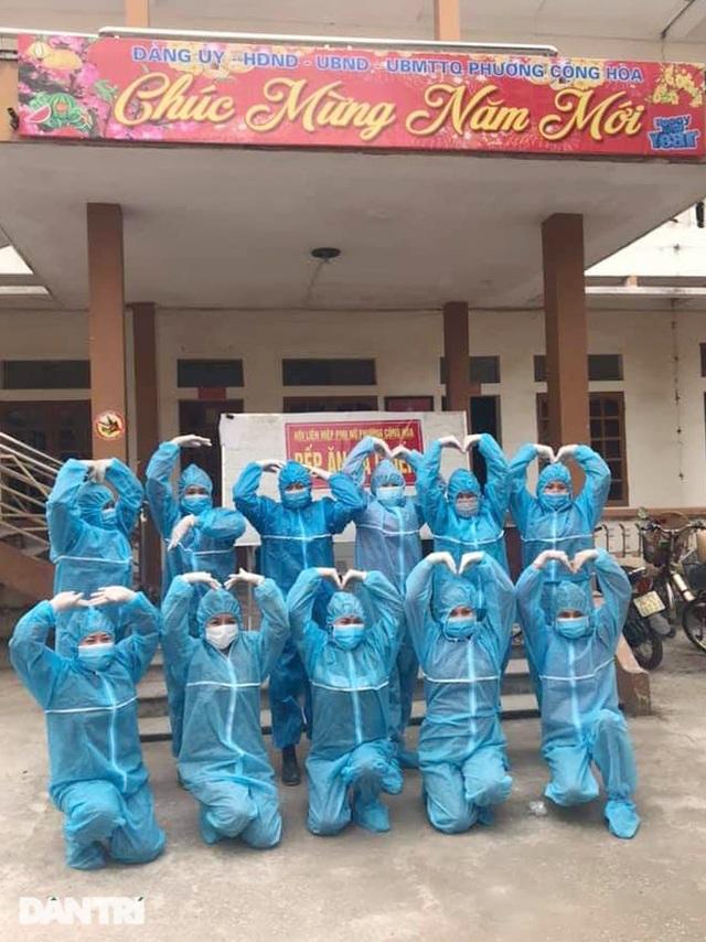 Cảm động bếp ăn dã chiến xuyên Tết luôn đỏ lửa tại ổ dịch TP Chí Linh - 17