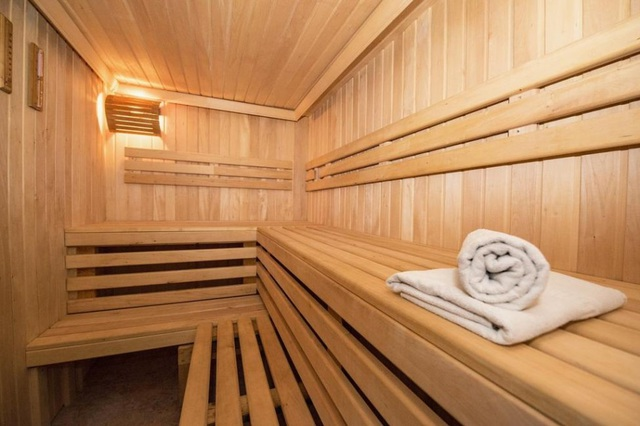 Khách sạn cao cấp xin lỗi khách vì phòng tắm có thể nhìn xuyên thấu - 3