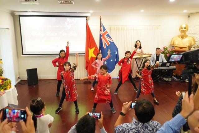 Chuỗi sự kiện mừng Xuân mới đa sắc màu của du học sinh Việt tại Úc - 2