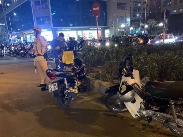 Hà Nội: Nam thanh niên rút dao đâm người sau va chạm giao thông - 1
