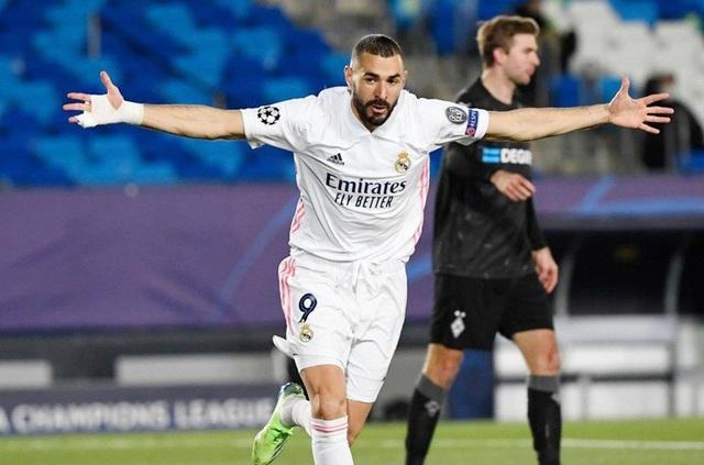Real Madrid hứng chịu cú sốc khi mất gần một đội hình - 1