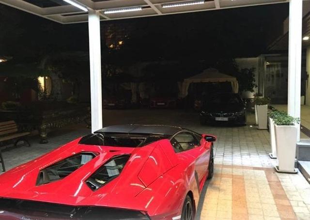Bên trong garage siêu xe hoành tráng của giới đại gia Việt - 11