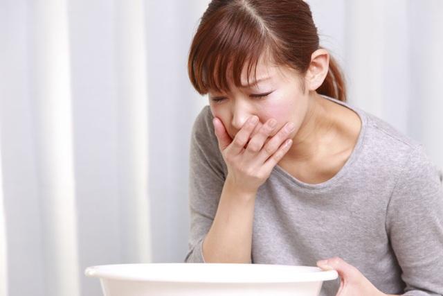 Buồn nôn, ngứa ngoài da có thể là dấu hiệu của bệnh gan - 1