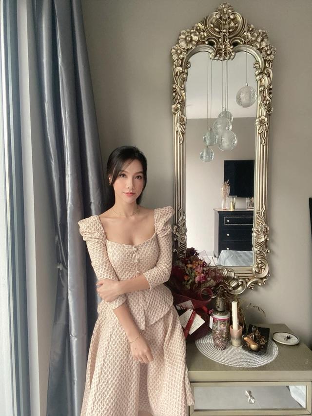 MC Minh Hà hiếm hoi diện bikini khoe vóc dáng gợi cảm - 7