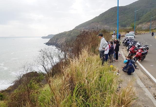 Tìm kiếm nam bác sĩ trẻ bất ngờ mất tích dưới chân đèo ở Nha Trang - 1