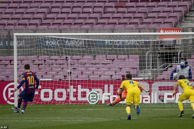 Hòa thất vọng, Barcelona hụt hơi trong cuộc đua với Atletico và Real Madrid - 2