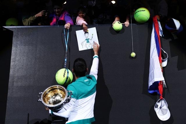 Đánh bại Medvedev, Djokovic vô địch Australian Open 2021 - 18