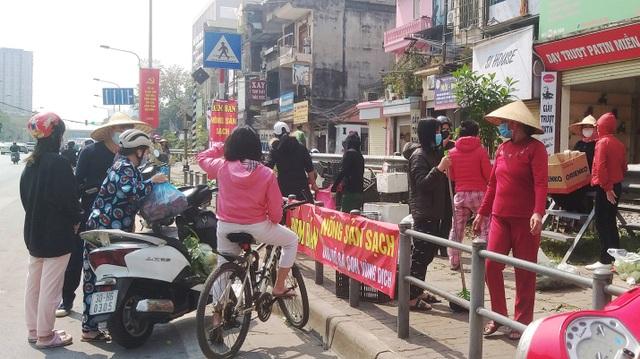 Chỉ trong vài giờ, người dân Hà Nội đã giải cứu 20 tấn nông sản vùng dịch - 1