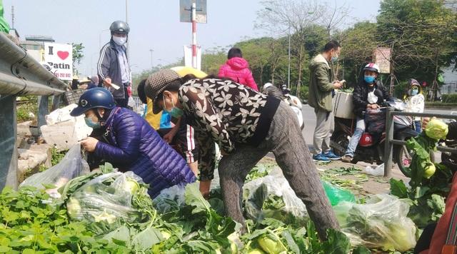 Chỉ trong vài giờ, người dân Hà Nội đã giải cứu 20 tấn nông sản vùng dịch - 2