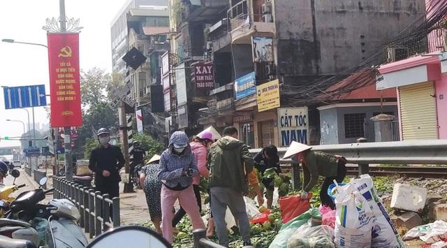 Chỉ trong vài giờ, người dân Hà Nội đã giải cứu 20 tấn nông sản vùng dịch - 4
