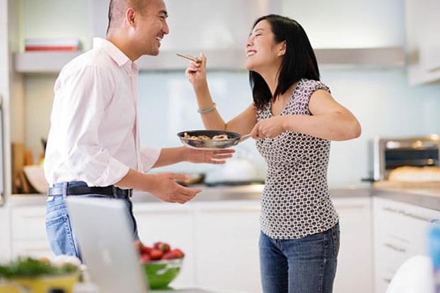 Khi nào thấy chênh vênh, vợ chồng nên làm điều này để cân bằng hạnh phúc - 2