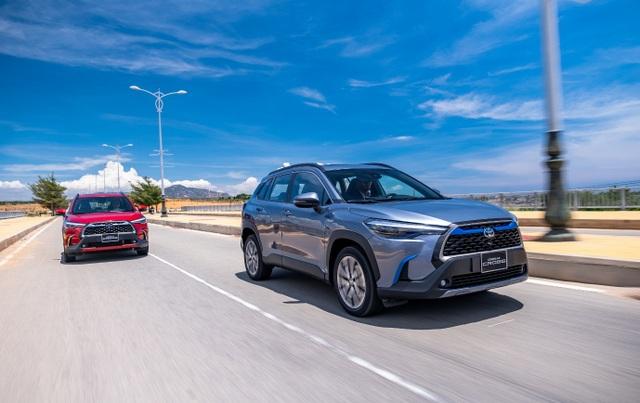 Nhận xe hơn 1 tháng, khách hàng vẫn choáng ngợp với công nghệ trên Corolla Cross - 2
