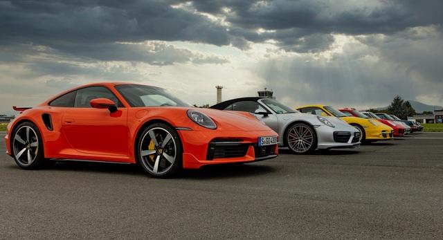 Volkswagen sẽ bán khoán Porsche để lấy tiền làm xe chạy điện? - 2