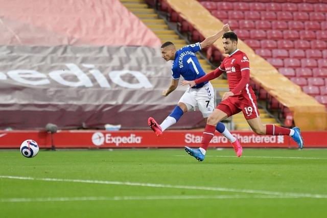 HLV Jurgen Klopp cảm thấy tổn thương sau khi Liverpool thua sốc Everton - 1