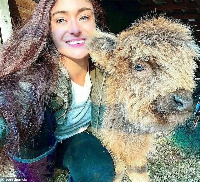 Cô gái xinh đẹp chi hơn 1 tỷ đồng để giải cứu và chăm sóc 200 vật nuôi - 3
