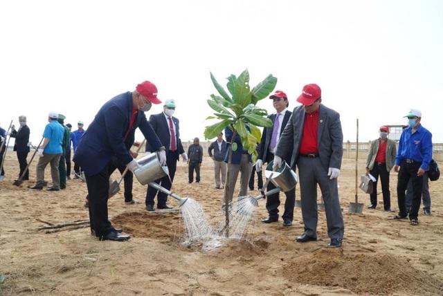 Vietjet hưởng ứng lời kêu gọi trồng cây vì một Việt Nam xanh - 2