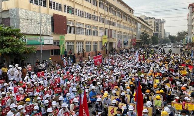 Myanmar tê liệt vì tổng đình công phản đối đảo chính - 2