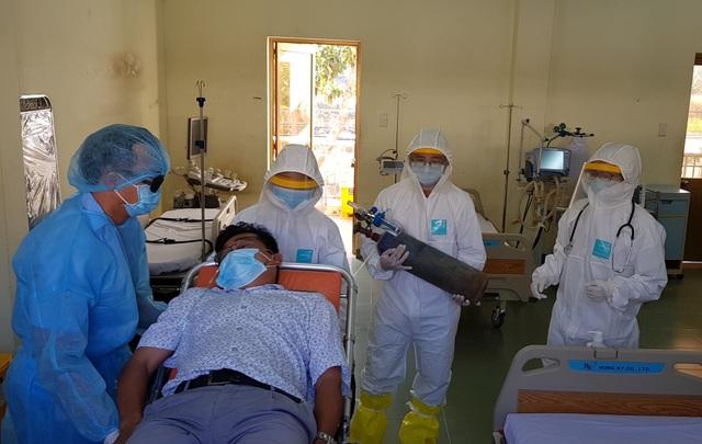 500 người nhiễm Covid-19 cùng lúc, có vỡ trận lĩnh vực điều trị? - 4