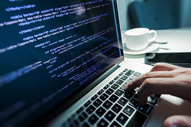 Gần 30.000 máy MacBook bị nhiễm mã độc bí ẩn - 1