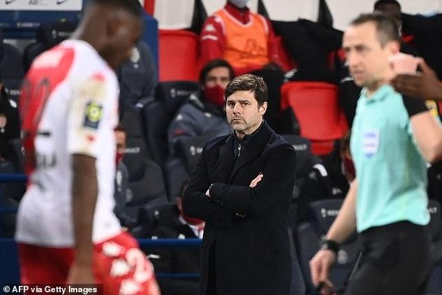 PSG trở lại mặt đất sau trận thắng đậm Barcelona - 4