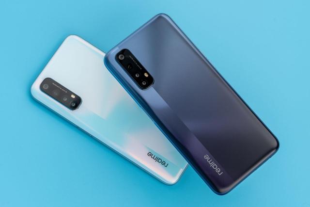 Năm 2021: Realme Việt Nam ra mắt flagship, smartphone 5G - 2