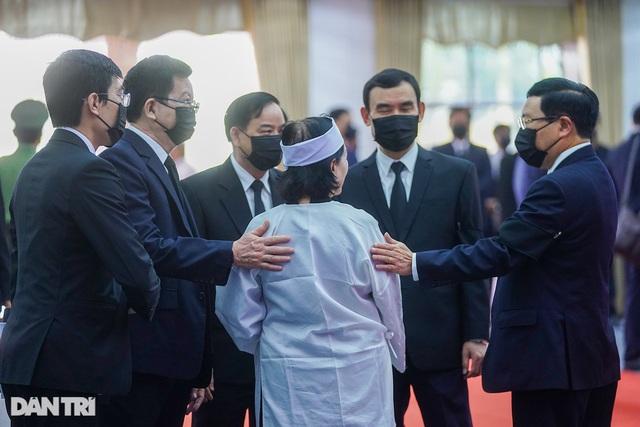 Nguyên Phó Thủ tướng Trương Vĩnh Trọng về nơi an nghỉ cuối cùng - 2