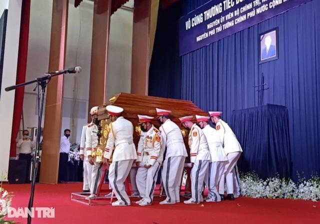 Nguyên Phó Thủ tướng Trương Vĩnh Trọng về nơi an nghỉ cuối cùng - 6