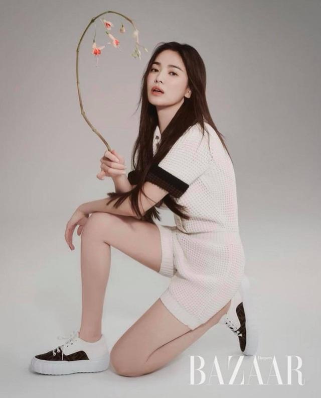 Song Hye Kyo hút hồn với phong cách không tuổi - 6