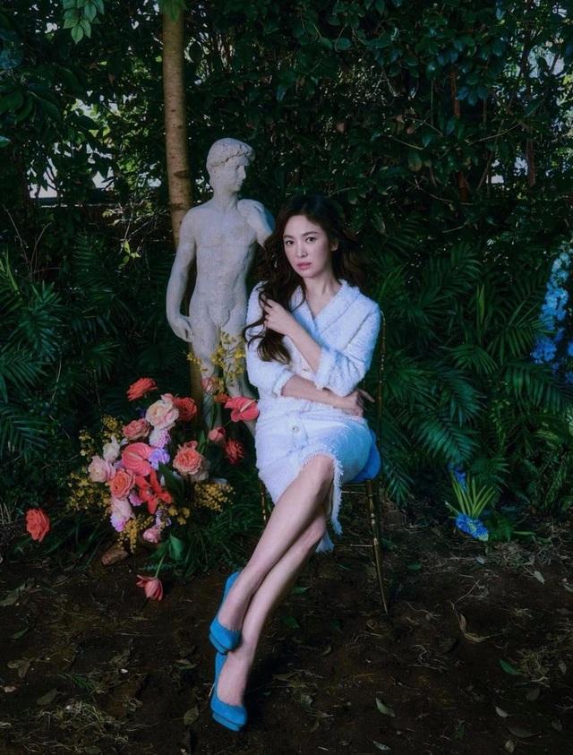 Song Hye Kyo hút hồn với phong cách không tuổi - 9