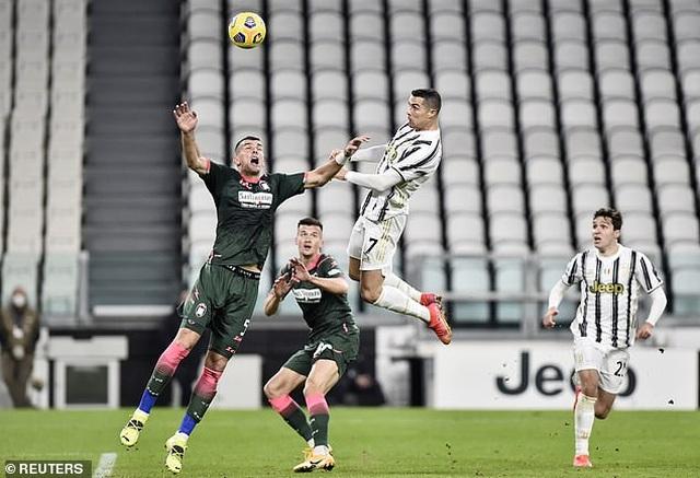 C.Ronaldo tỏa sáng rực rỡ, Juventus có chiến thắng rửa mặt - 3