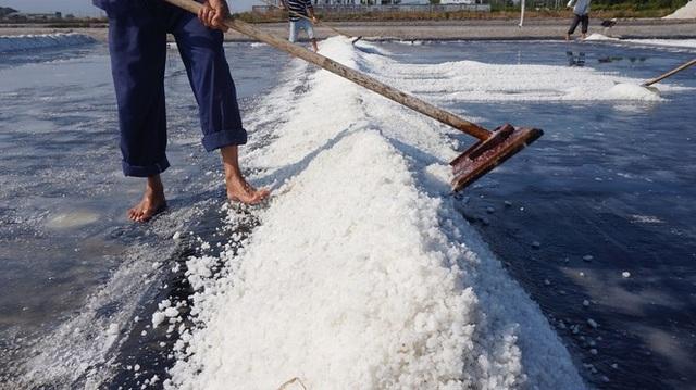 Cận cảnh nghề gieo nước biển đầu năm ở phương Nam - 8
