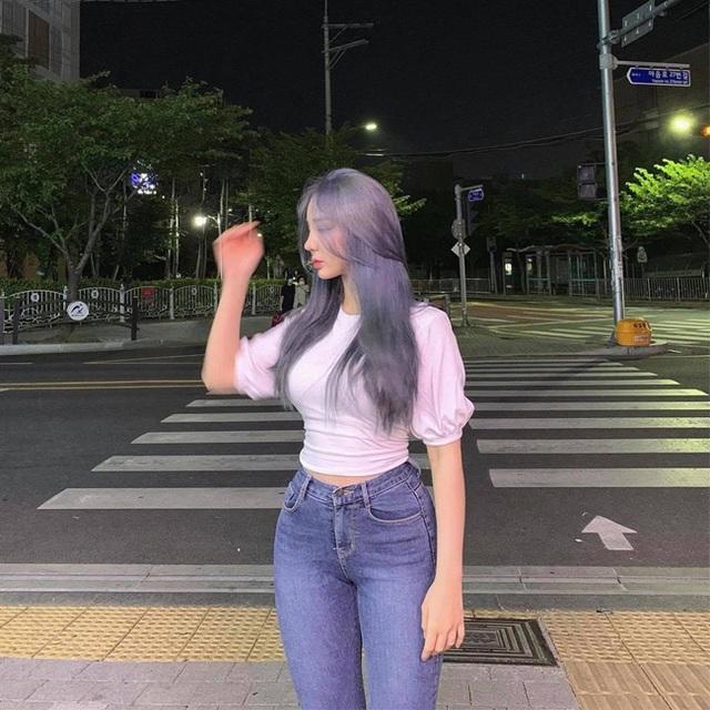 Cô giáo có hông quả táo đẹp nhất xứ Hàn gây bão mạng xã hội - 16