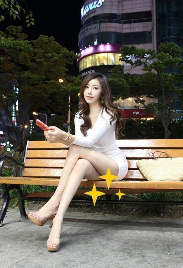Cô giáo có hông quả táo đẹp nhất xứ Hàn gây bão mạng xã hội - 5
