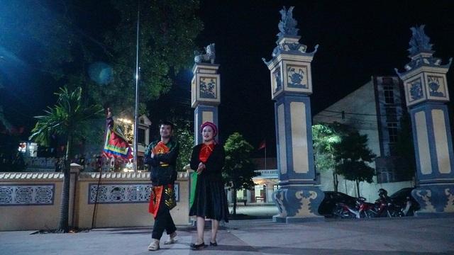 Ngượng đỏ mặt xem lễ hội linh tinh tình phộc lúc nửa đêm - 4