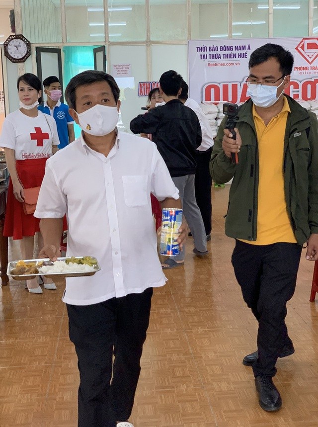 Ông Đoàn Ngọc Hải nhận lương khủng 60 triệu đồng khi phục vụ quán cơm - 1