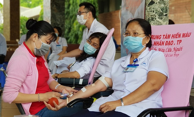 Ngân hàng máu dự trữ thiếu hụt, bệnh viện chung tay ứng cứu - 7