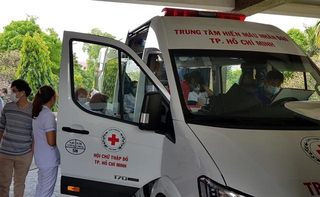 Ngân hàng máu dự trữ thiếu hụt, bệnh viện chung tay ứng cứu - 2