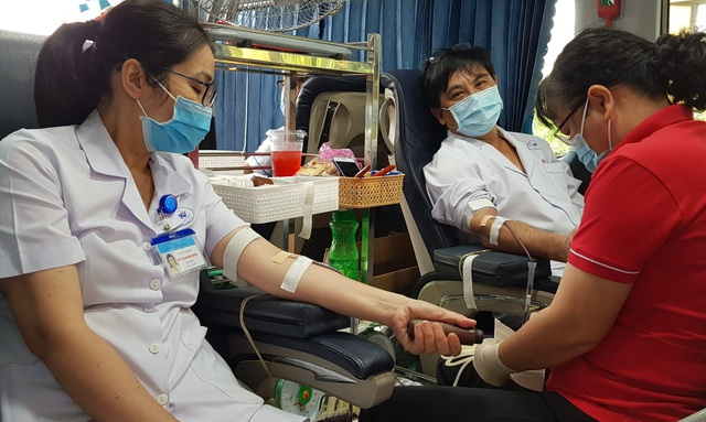Ngân hàng máu dự trữ thiếu hụt, bệnh viện chung tay ứng cứu - 10