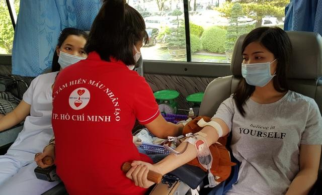 Ngân hàng máu dự trữ thiếu hụt, bệnh viện chung tay ứng cứu - 11