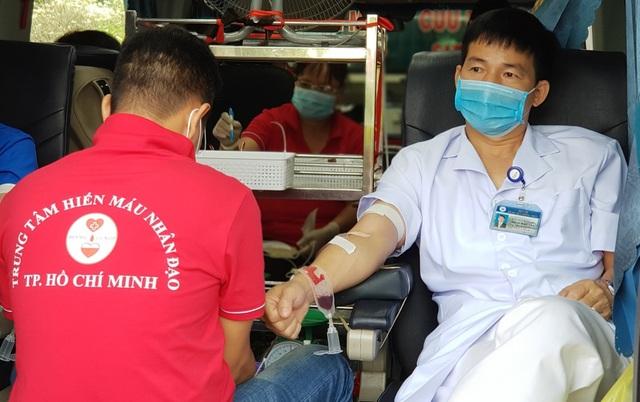 Ngân hàng máu dự trữ thiếu hụt, bệnh viện chung tay ứng cứu - 8