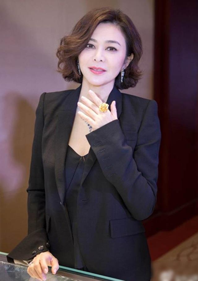 Đệ nhất mỹ nhân Hồng Kông sống cô độc với khối tài sản kếch sù ở tuổi 59 - 7
