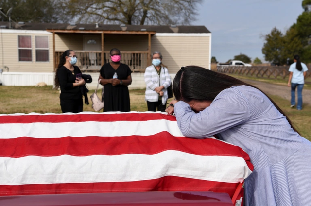 Vì sao Mỹ có số người chết vì Covid-19 cao nhất thế giới? - 2