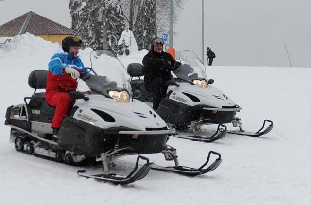Video ông Putin trượt tuyết, lái mô tô cùng Tổng thống Belarus - 8