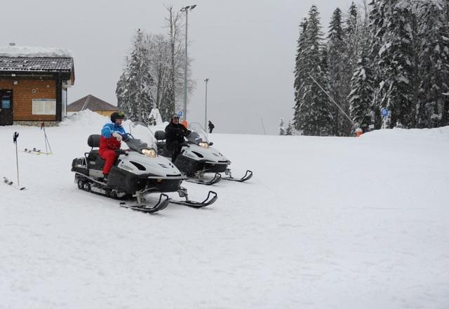 Video ông Putin trượt tuyết, lái mô tô cùng Tổng thống Belarus - 7