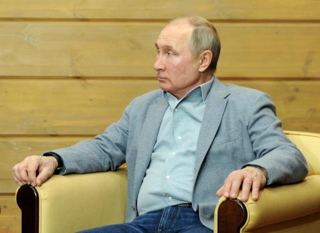 Video ông Putin trượt tuyết, lái mô tô cùng Tổng thống Belarus - 4