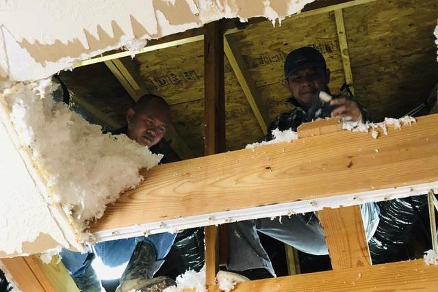 Người Việt giải cứu ống nước bị bể do bão tuyết cho cư dân Houston, Texas - 4