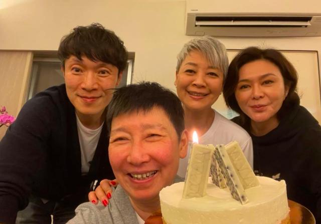 Đệ nhất mỹ nhân Hồng Kông sống cô độc với khối tài sản kếch sù ở tuổi 59 - 9
