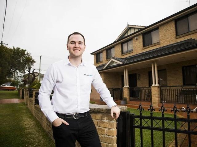 Sống tiết kiệm, chàng trai 29 tuổi tậu 29 căn nhà khắp nước Úc - 1