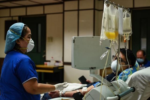 Philippines đề nghị đổi y tá lấy vắc xin Covid-19 từ Anh, Đức - 1